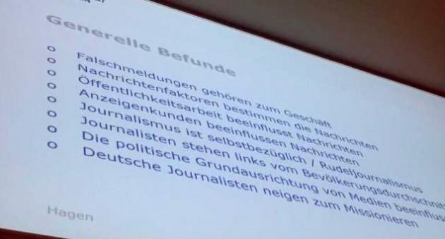 Eine der Folien von Prof. Lutz Hagen.