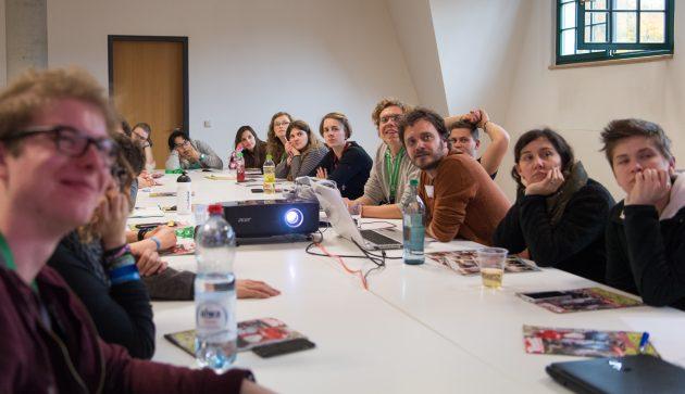 Über 20 Workshopteilnehmer wollten endlich lernen, was Satire denn nun darf