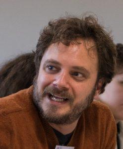 """Tim Wolff beim Workshop """"Endlich geklärt - was darf Satire?"""""""
